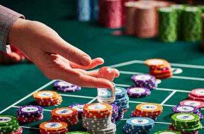 150715-melb-casino-casinogames-roulette-chips-974×676-02